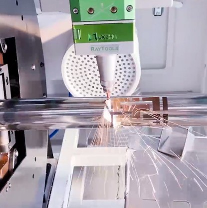 Fiber laser tube cutting machine LX62TH cuts stainless steel round tube 1mm diameter 50mm